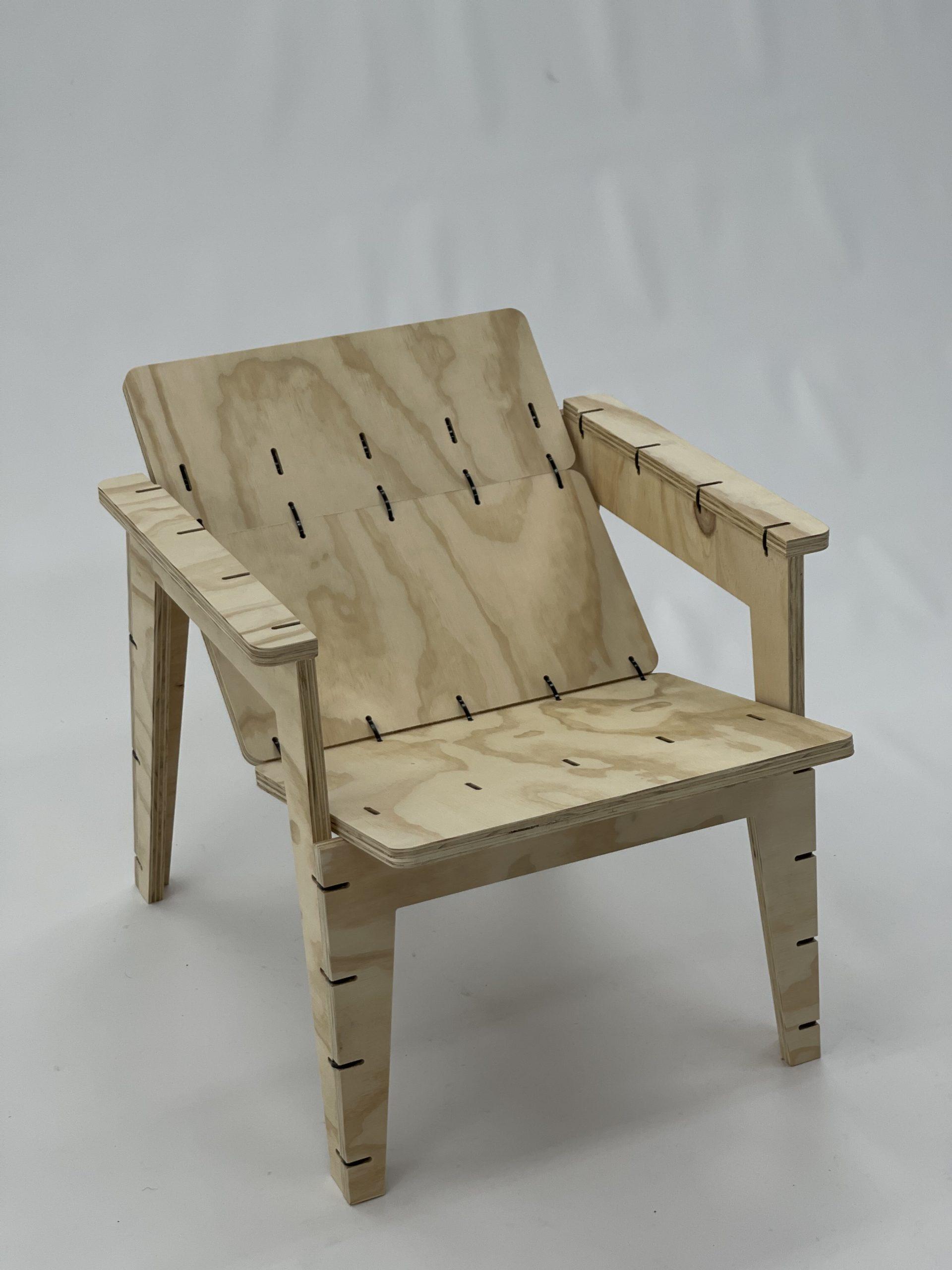 #67 Benga Zippy Lounge Chair